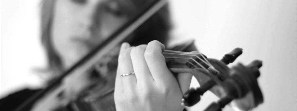 Naruto – Sadness and Sorrow (Violin Cover) – Taylor Davis